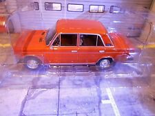 LADA VAZ / Fiat 2106 red rot  Limousine 1976 IXO Triple9 RAR NEU 1:18