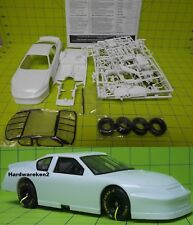 DONOR NASCAR 2003-2005 CHEVROLET MONTE CARLO STOCK CAR KIT- WHITE  - 1/24