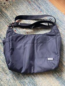 Pacsafe Citysafe 200 Gii travel shoulder bag
