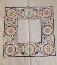"""STUNNING HAND EMBROIDERED LINEN TABLECLOTH  37"""" SQUARE WEDDING TEA PARTY DAISY"""
