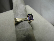 Vibrant gorgeous AMETHYST Ring 14K yellow gold (size6) 5.2gTotal weight