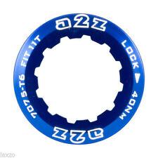 Cassettes, couronnes et pignons de vélo bleu