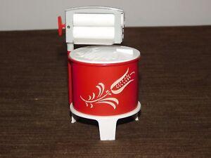 VINTAGE PLASTIC SALT & PEPPER SHAKERS OLD WASHING MACHINE TUB SUGAR BOWL  NEW