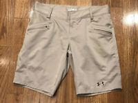 "Under Armour Heat Gear Semi Fitted Khaki Chino Shorts Women's Size 8 Inseam 9.5"""