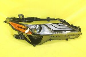 🏎️ 2021 21 Toyota Camry XSE Hybrid Right Passenger Headlight OEM *2 TAB DAMAGED