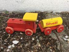 Ancien Train-Locomotive à tracter publicitaire en bois Marque SHELL