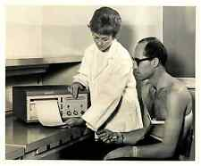 Italia, Oscillografi  .  Tirage argentique  20x26  Circa 1967