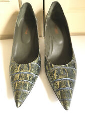 Montbui 40 croc print 100% leather courts in green and gold BNWOT has 7.5cm heel
