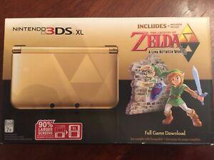 Nintendo 3DS XL A Link between Worlds MINT Condition