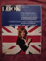 LOOK Magazine May 2 1967 VANESSA REDGRAVE THOMAS HOVING