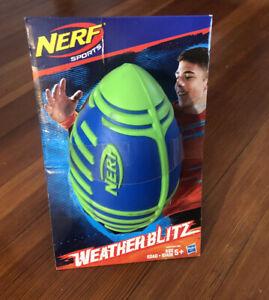 *NEW* NERF SPORTS WEATHER BLITZ FOOTBALL Blue & Green E1292
