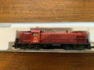 N scale  Kato 703M loco