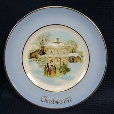 Avon Christmas Plate 1977 Carollers in the Snow by Enoch Wedgwood (1D14)