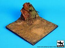 Black Dog 1/72 Destroyed T-34 Tank Diorama Base D72004