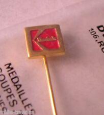 RARE EPINGLETTE KODAK : Logo KODAK sous sachet