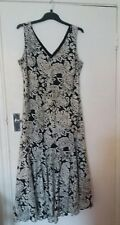 Ladies  Soon Black /Cream dress  outer layer 100% cotton size 16