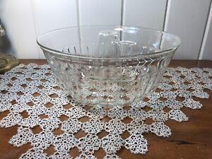 "Vintage 10"" Bundt Cake Design Glass Jello Mold Excellent"