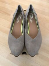 Brand new TOMS Suede pumps Size 7.5