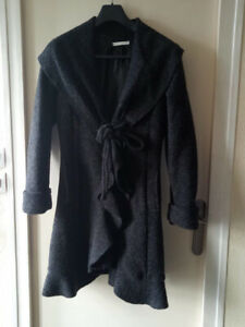 Manteau Made in Italy en laine bouillie , taille 40 , quasi NEUF !