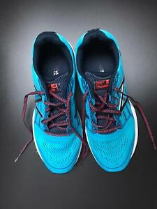 New Balance running shoes 680v5  UK 9 Light Blue