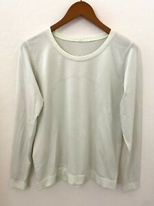 LULULEMON SWIFTLY BREATH LONG SLEEVE SIZE 8/10 Light yellow/mint