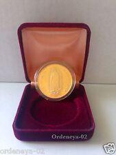 Medalla de la Virgensita de Guadalupe y el Calendario Azteca Dorada con Estuche
