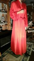 VTG 70's VANITY FAIR NEW NWT SZ L RED SHIMMER PEIGNOIR NIGHTGOWN ROBE ASIAN GOWN