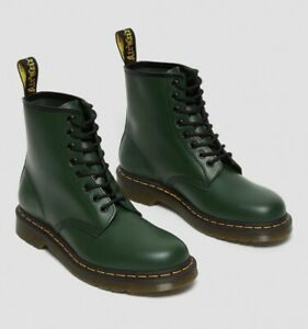 Lady's Doctor Martens 1460 SMOOTH LEATHER ANKLE BOOTS In Green Size: Uk 3