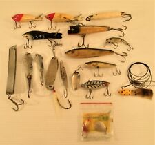 Vintage Fishing Lure Lot Wood/Plastic/Metal