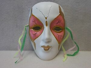 One (1) Porcelain Mardi Gras Mask - White/Pink/Gold                         04x4
