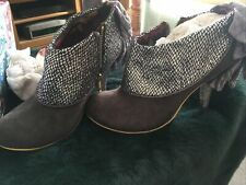 Irregular Choice Beautiful Grey And Silver Ankle Boots  Size 6 39 Love Means