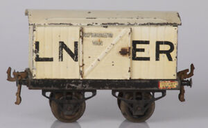 Hornby O Gauge No.1 LNER Refrigerator Van Open Axle Guards