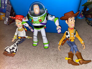 Thinkway Toy Story Talking Buzz Lightyear, Woody,+ Jessee Dolls