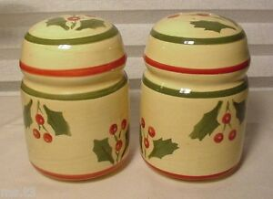 HOLLY BERRY SALT & PEPPER SHAKERS LARGE