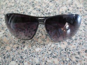 Kangol black frame sunglasses. 9KL652-1.