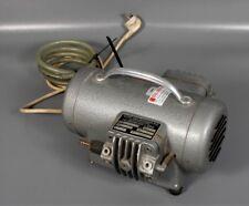 KNF Neuberger Vakuumpumpe Typ NK25, Dental, ID805