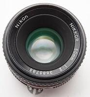 Nikon Nikkor 50mm 50 mm 1:2 Objektiv schwarz