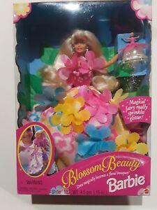 1996 Mattel Blossom Beauty Barbie Dress Becomes a Floral Bouquet 17032 glitter