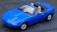 Rare Vintage 1:18 Mazda MX5 Blue Miata 1990 Convertible Cabrio Toy Model Car