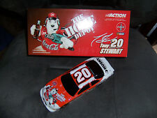 1:24 Die-Cast Tony Stewart #20 Coca-Cola Polar Bear 2001 Car BWB