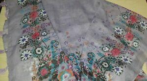BNWT Large Soft Square Scarf Lilac Floral Design Tasseled Scarf 98 cm x 98 cm