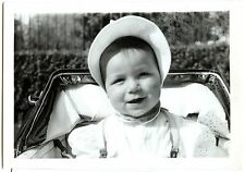 Enfant bébé dans son landau -  photo ancienne an. 1940