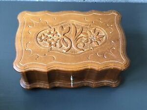 HAND CARVED WOOD WOODEN VINTAGE SWISS MUSIC BOX JEWELLERY BOX - WALTER STAHLI