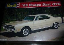 Revell 1969 Dodge Dart GTS 1/25 Model Car Mountain KIT FS