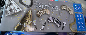 ❤️ Elegant Eve 25 Person Boxed New Year Party Kit Black Gold Silver