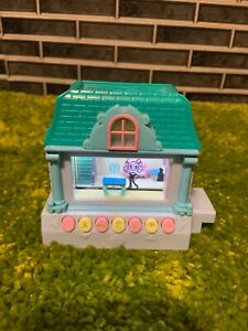 Pixel Chix Blue House 2005 Works