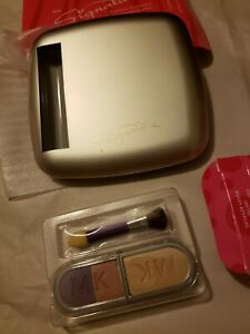 NIB Mary Kay Signature Eye Color Dreamy Pinks 280100 & Custom Compact 9004