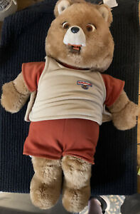 Vintage '84/85 Teddy Ruxpin Talking Bear, Book And Two Tapes   Please Read