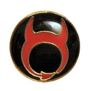 Manchester United Supporters' Trust Medium Badge (Black/Red)