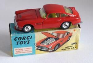 CORGI TOYS (218) ASTON MARTIN D.B.4 - RED - SPUN HUBS  (BOXED)